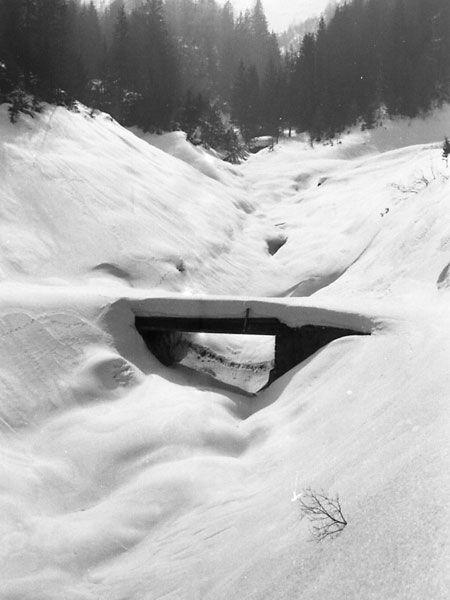 Le pont sur le Grd Riou l'hiver 1968