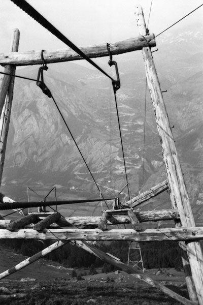 Un pylône du monte-charge 1969
