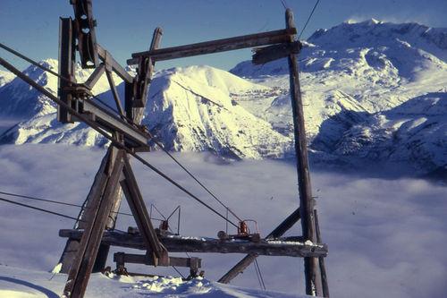 Un pylône du monte-charge 1970